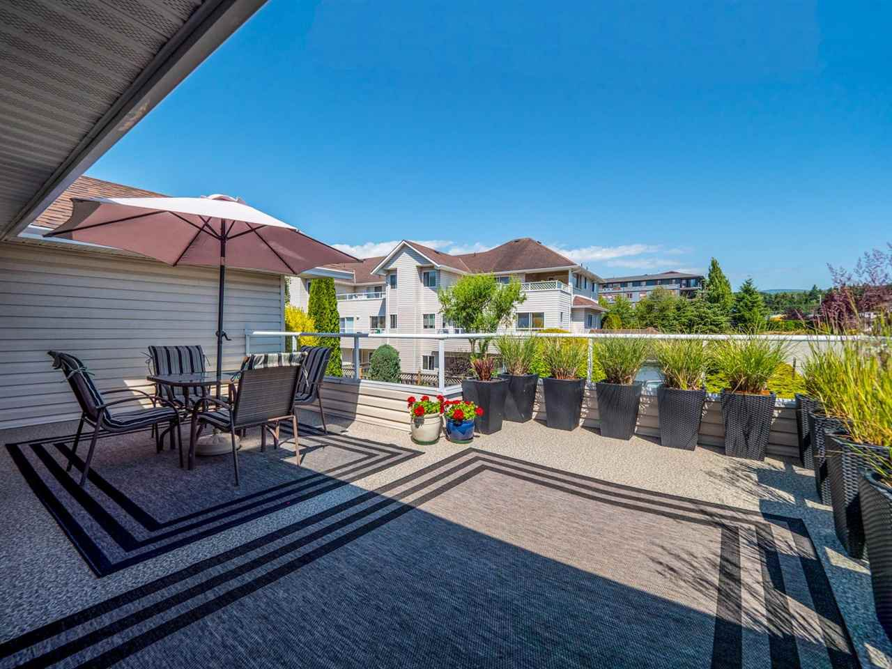 """Photo 17: Photos: 16 5630 TRAIL Avenue in Sechelt: Sechelt District Townhouse for sale in """"HIGHPOINT"""" (Sunshine Coast)  : MLS®# R2382780"""