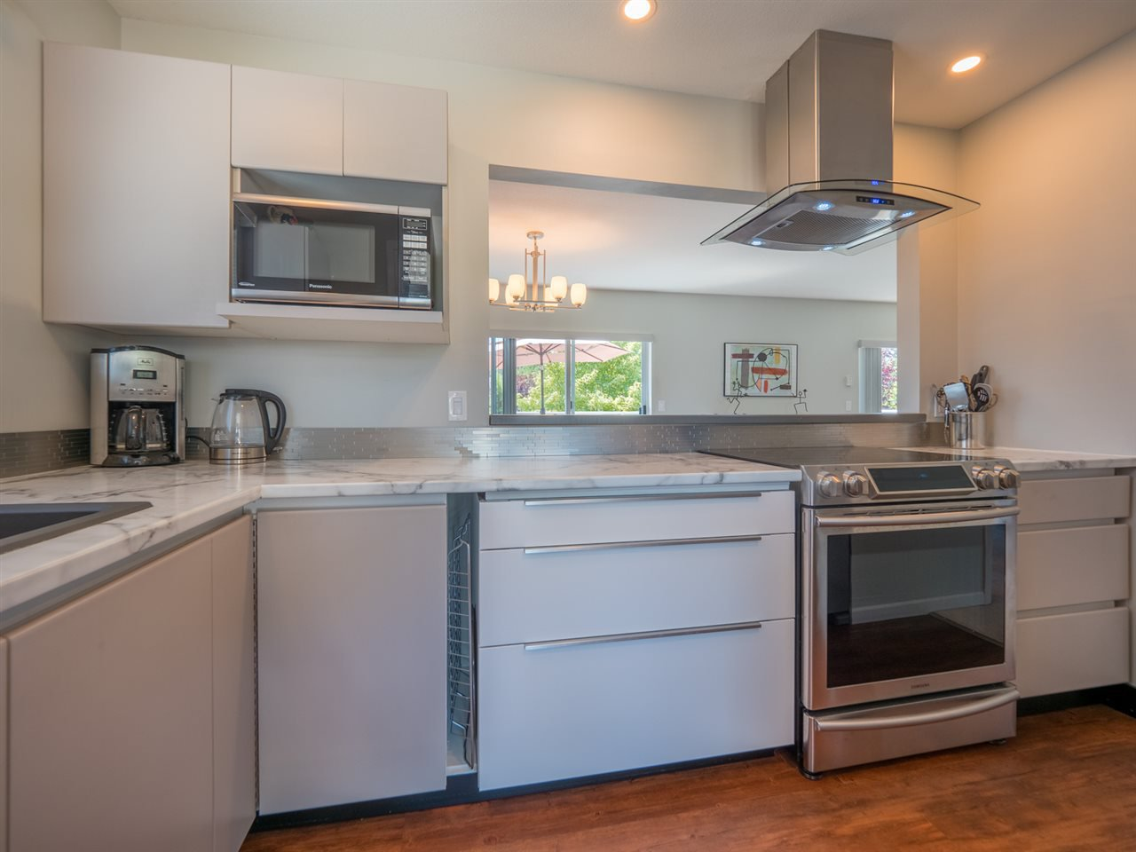 """Photo 6: Photos: 16 5630 TRAIL Avenue in Sechelt: Sechelt District Townhouse for sale in """"HIGHPOINT"""" (Sunshine Coast)  : MLS®# R2382780"""