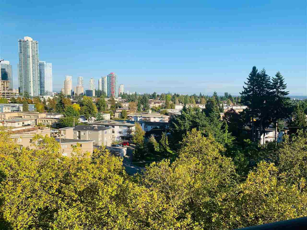 Main Photo: 905 4194 MAYWOOD STREET in Burnaby: Metrotown Condo for sale (Burnaby South)  : MLS®# R2408991