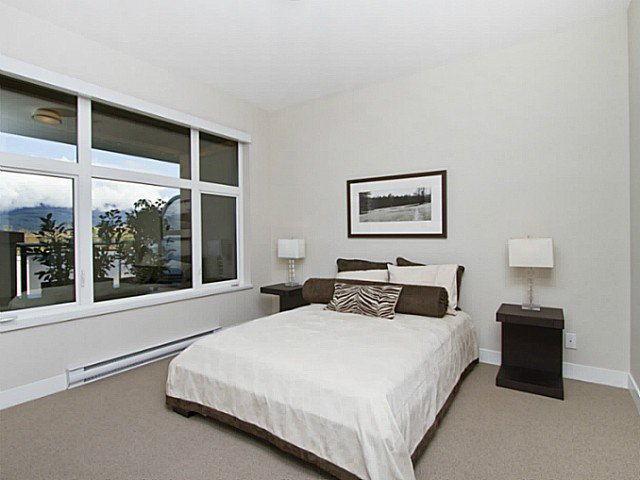 Photo 3: Photos: 401 4570 HASTINGS Street in Burnaby: Capitol Hill BN Condo for sale (Burnaby North)  : MLS®# V990726