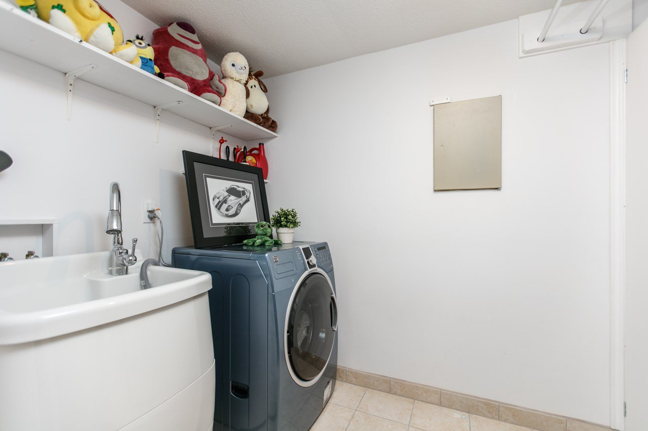 """Photo 11: Photos: 11 888 W 16TH Avenue in Vancouver: Cambie Townhouse for sale in """"LAUREL MEWS"""" (Vancouver West)  : MLS®# R2053012"""