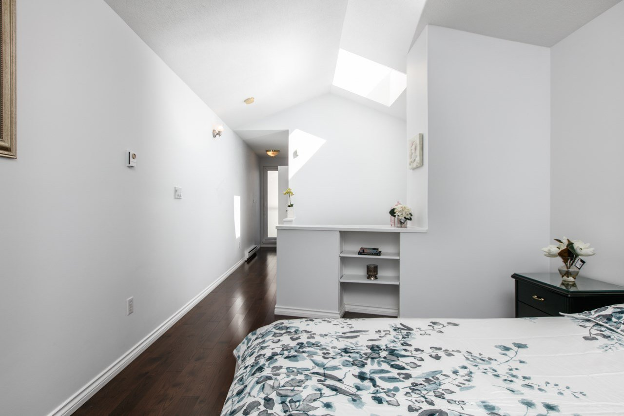 """Photo 6: Photos: 11 888 W 16TH Avenue in Vancouver: Cambie Townhouse for sale in """"LAUREL MEWS"""" (Vancouver West)  : MLS®# R2053012"""
