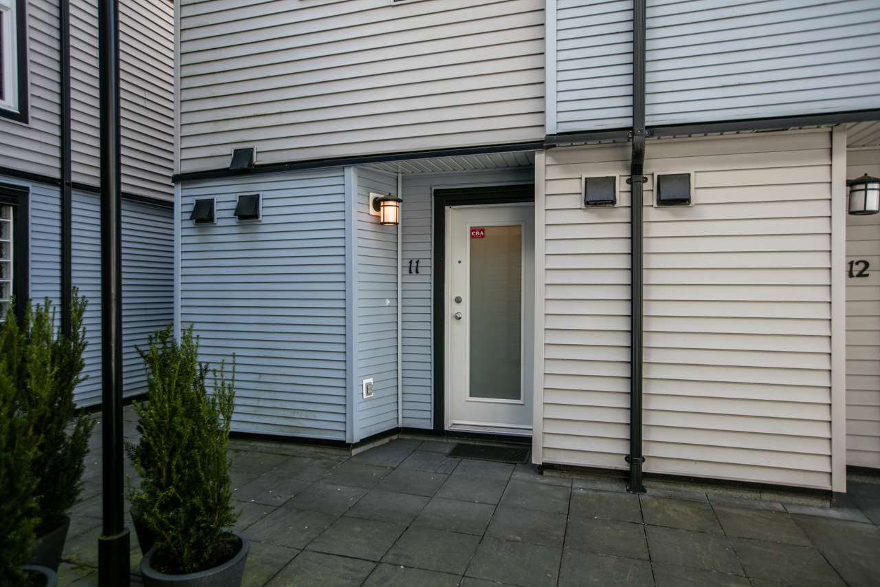 """Photo 15: Photos: 11 888 W 16TH Avenue in Vancouver: Cambie Townhouse for sale in """"LAUREL MEWS"""" (Vancouver West)  : MLS®# R2053012"""