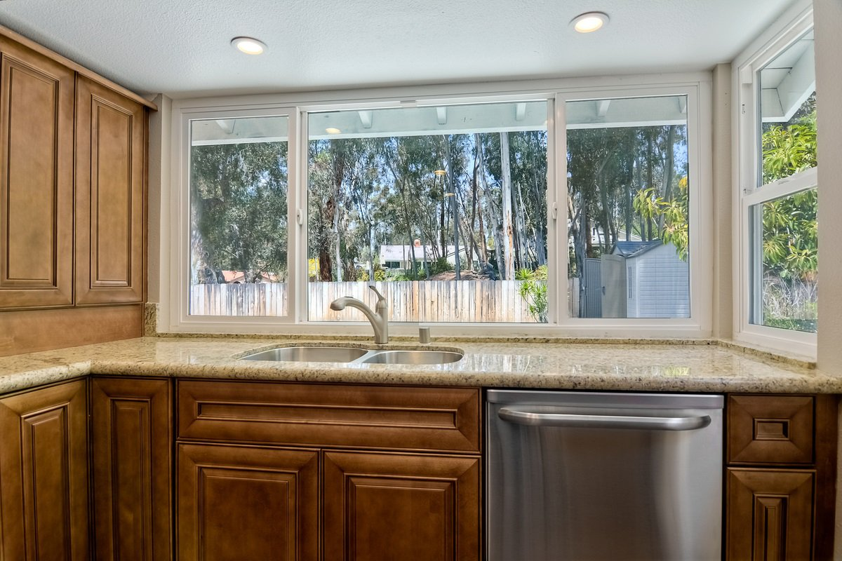 Photo 10: Photos: SCRIPPS RANCH House for sale : 4 bedrooms : 10620 Atrium in San Diego