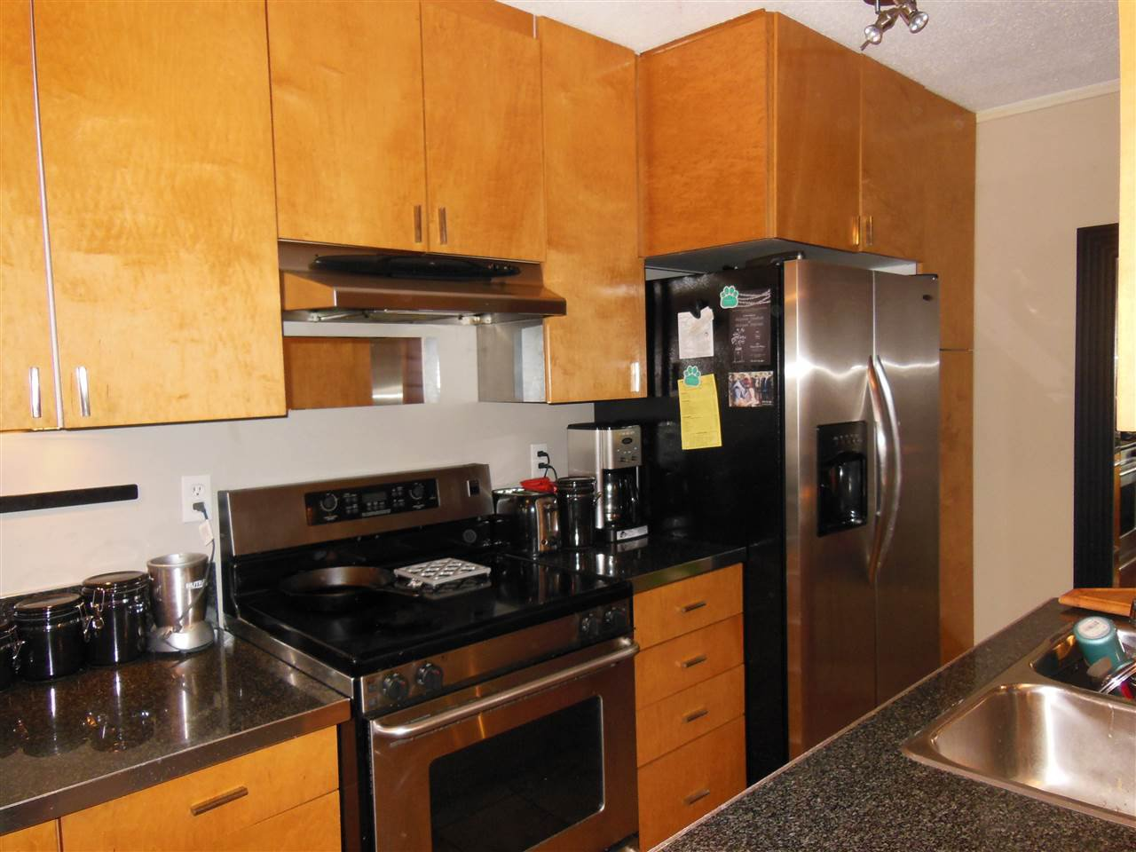 """Main Photo: 106 170 E 3RD Street in North Vancouver: Lower Lonsdale Condo for sale in """"Bristol Court"""" : MLS®# R2078639"""