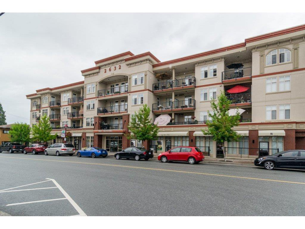 """Main Photo: 411 2632 PAULINE Street in Abbotsford: Central Abbotsford Condo for sale in """"Yale Crossing"""" : MLS®# R2095944"""