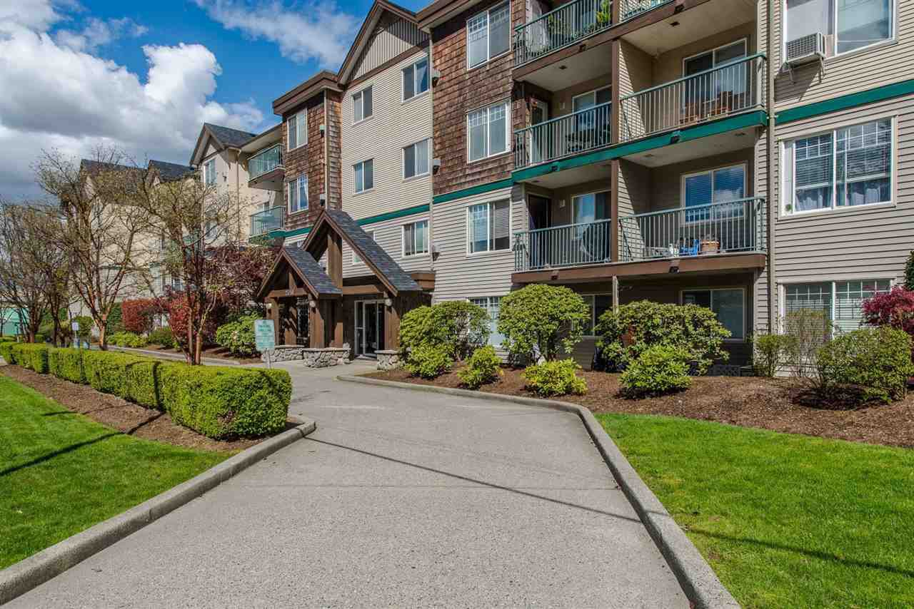 """Main Photo: 308 2350 WESTERLY Street in Abbotsford: Abbotsford West Condo for sale in """"Stonecroft Estates"""" : MLS®# R2159810"""
