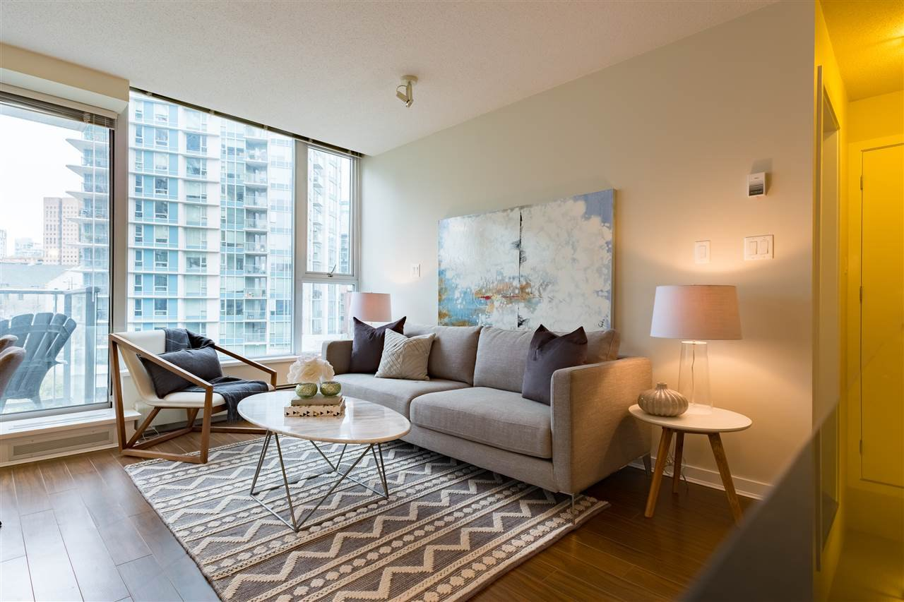 Main Photo: 703 633 ABBOTT STREET in Vancouver: Downtown VW Condo for sale (Vancouver West)  : MLS®# R2155830