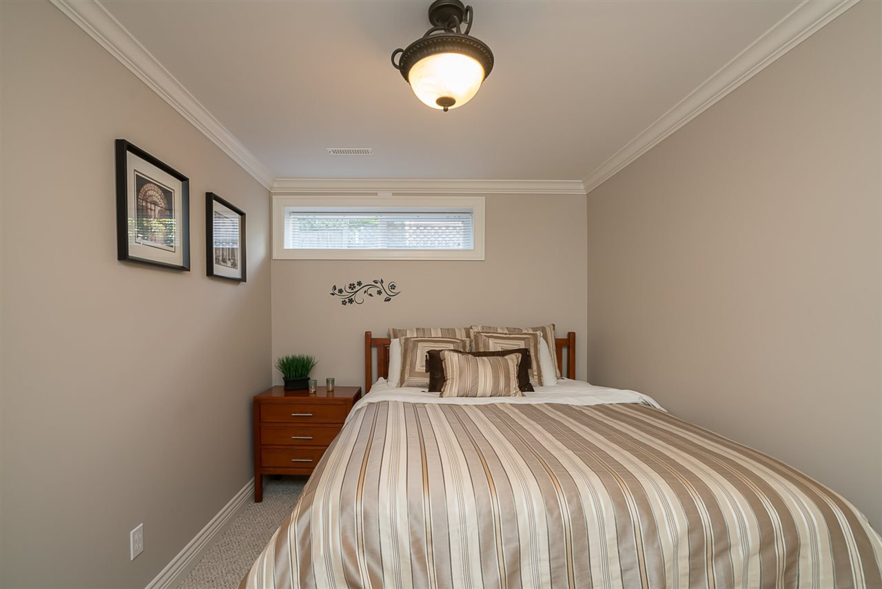 """Photo 18: Photos: 35903 SUNDEW Place in Abbotsford: Abbotsford East House for sale in """"Mountain Village"""" : MLS®# R2182970"""