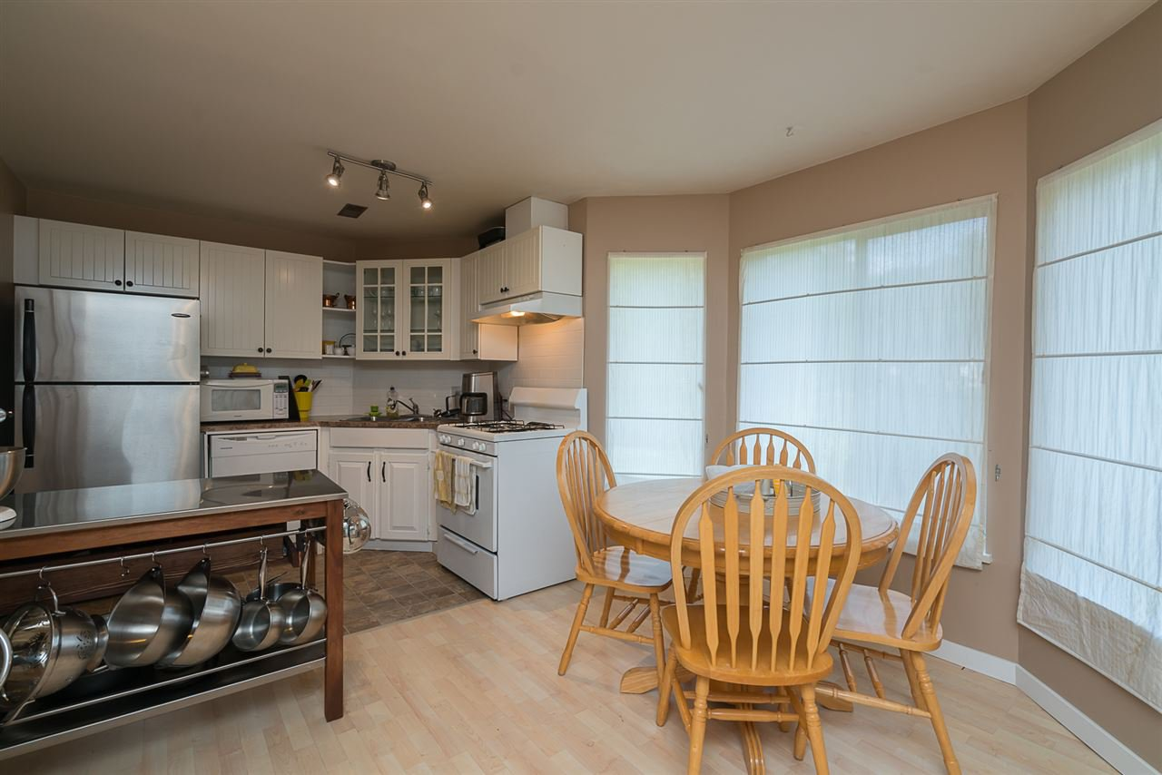 "Photo 16: Photos: 35903 SUNDEW Place in Abbotsford: Abbotsford East House for sale in ""Mountain Village"" : MLS®# R2182970"