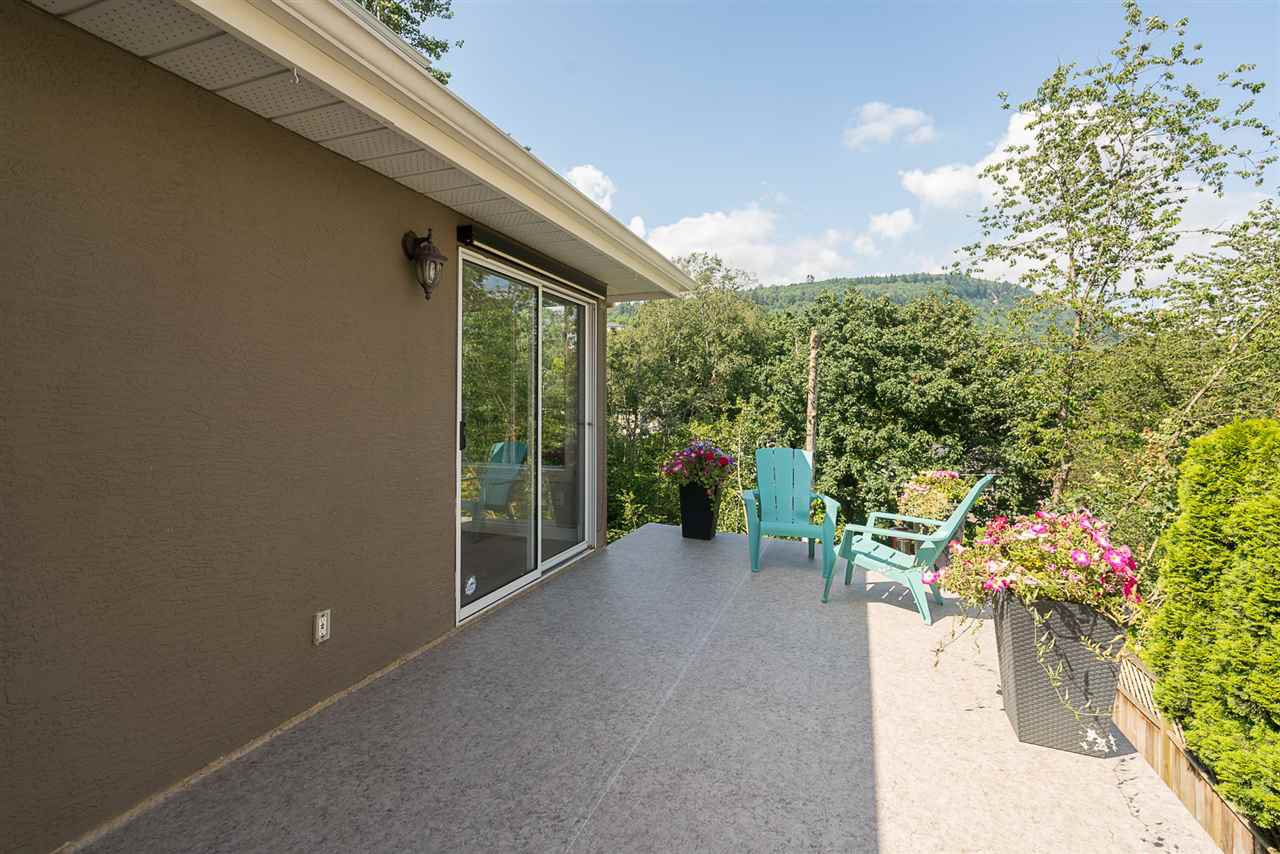 """Photo 19: Photos: 35903 SUNDEW Place in Abbotsford: Abbotsford East House for sale in """"Mountain Village"""" : MLS®# R2182970"""