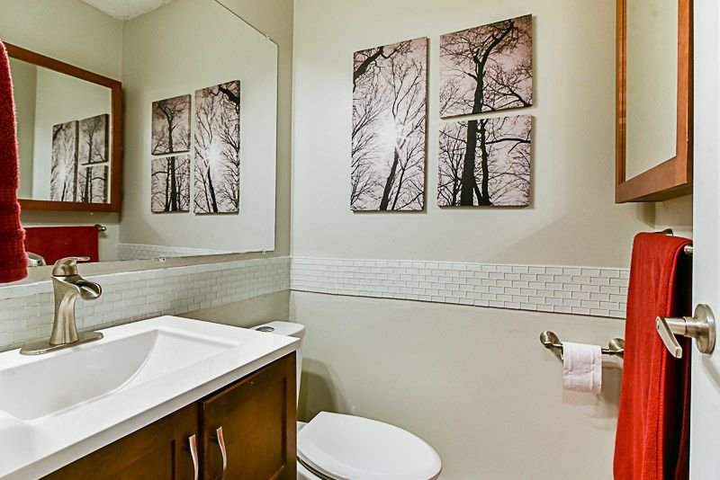 """Photo 11: Photos: 7752 119A Street in Surrey: Scottsdale Townhouse for sale in """"Scotsdale"""" (N. Delta)  : MLS®# R2210743"""