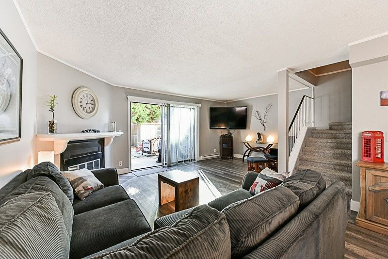 """Photo 7: Photos: 7752 119A Street in Surrey: Scottsdale Townhouse for sale in """"Scotsdale"""" (N. Delta)  : MLS®# R2210743"""