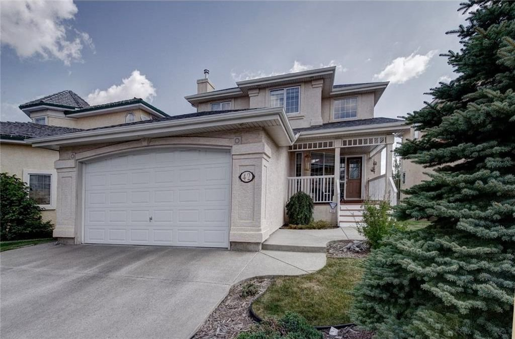 Main Photo: 42 CITADEL GV NW in Calgary: Citadel House for sale : MLS®# C4147357