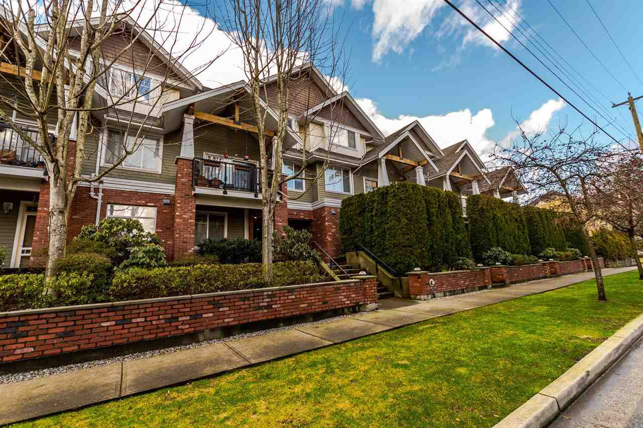"Main Photo: 112 1567 GRANT Avenue in Port Coquitlam: Glenwood PQ Condo for sale in ""The Grant"" : MLS®# R2234051"