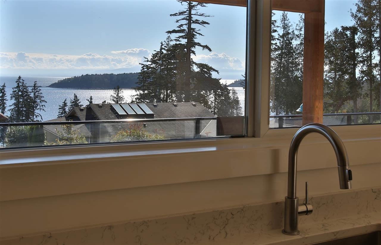 Photo 5: Photos: 5984 COWRIE Street in Sechelt: Sechelt District House for sale (Sunshine Coast)  : MLS®# R2244145