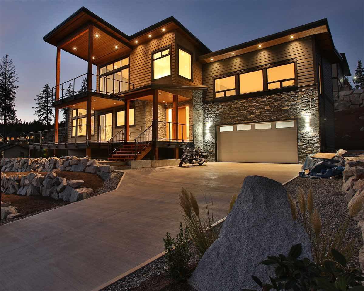 Main Photo: 5984 COWRIE Street in Sechelt: Sechelt District House for sale (Sunshine Coast)  : MLS®# R2244145
