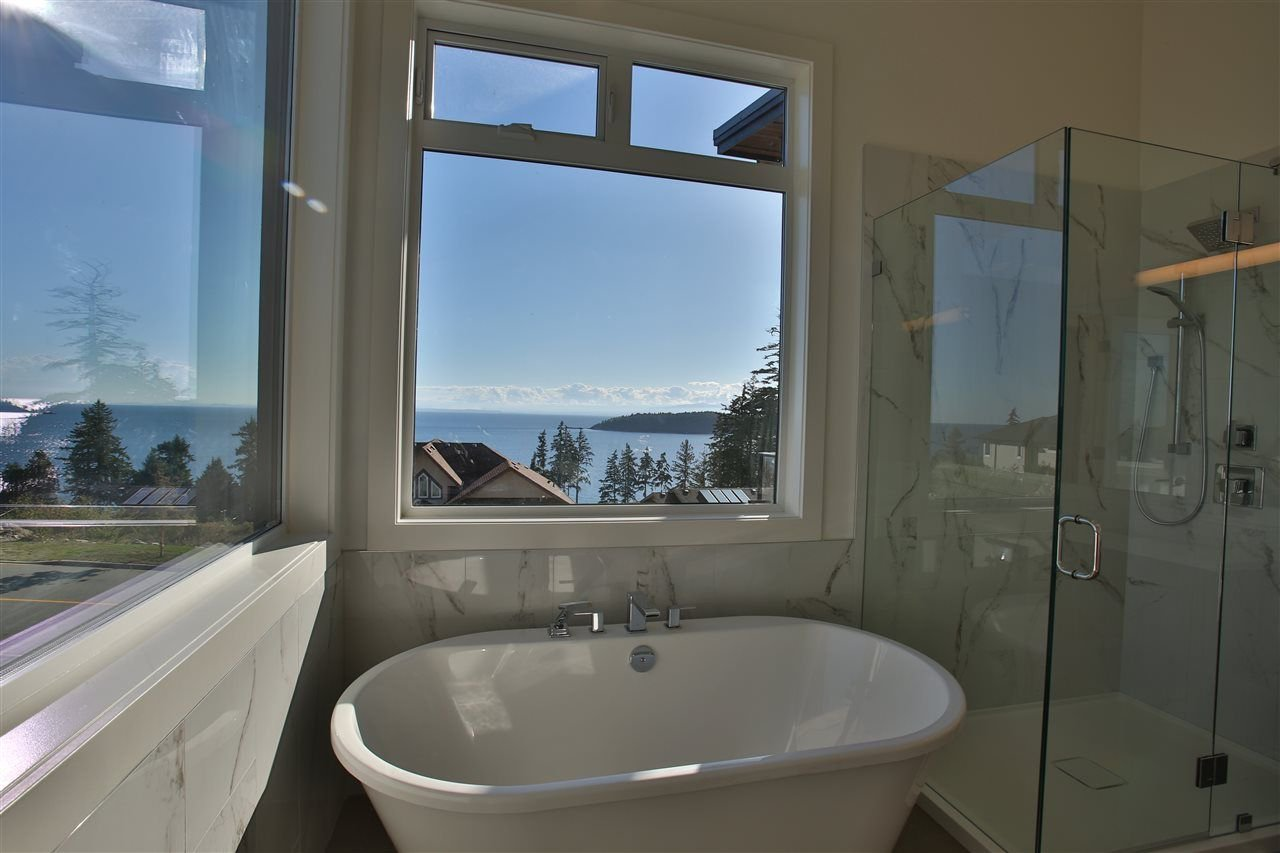 Photo 11: Photos: 5984 COWRIE Street in Sechelt: Sechelt District House for sale (Sunshine Coast)  : MLS®# R2244145