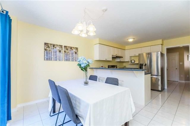Photo 11: Photos: 40 Wells Crescent in Whitby: Brooklin House (2-Storey) for sale : MLS®# E4187338