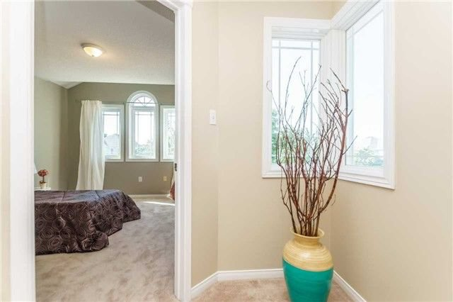 Photo 17: Photos: 40 Wells Crescent in Whitby: Brooklin House (2-Storey) for sale : MLS®# E4187338