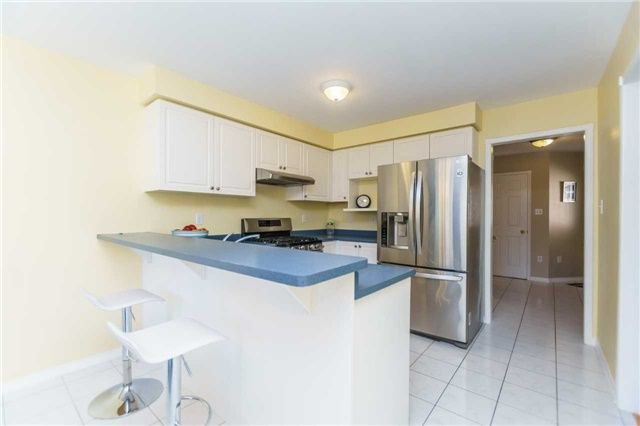 Photo 10: Photos: 40 Wells Crescent in Whitby: Brooklin House (2-Storey) for sale : MLS®# E4187338