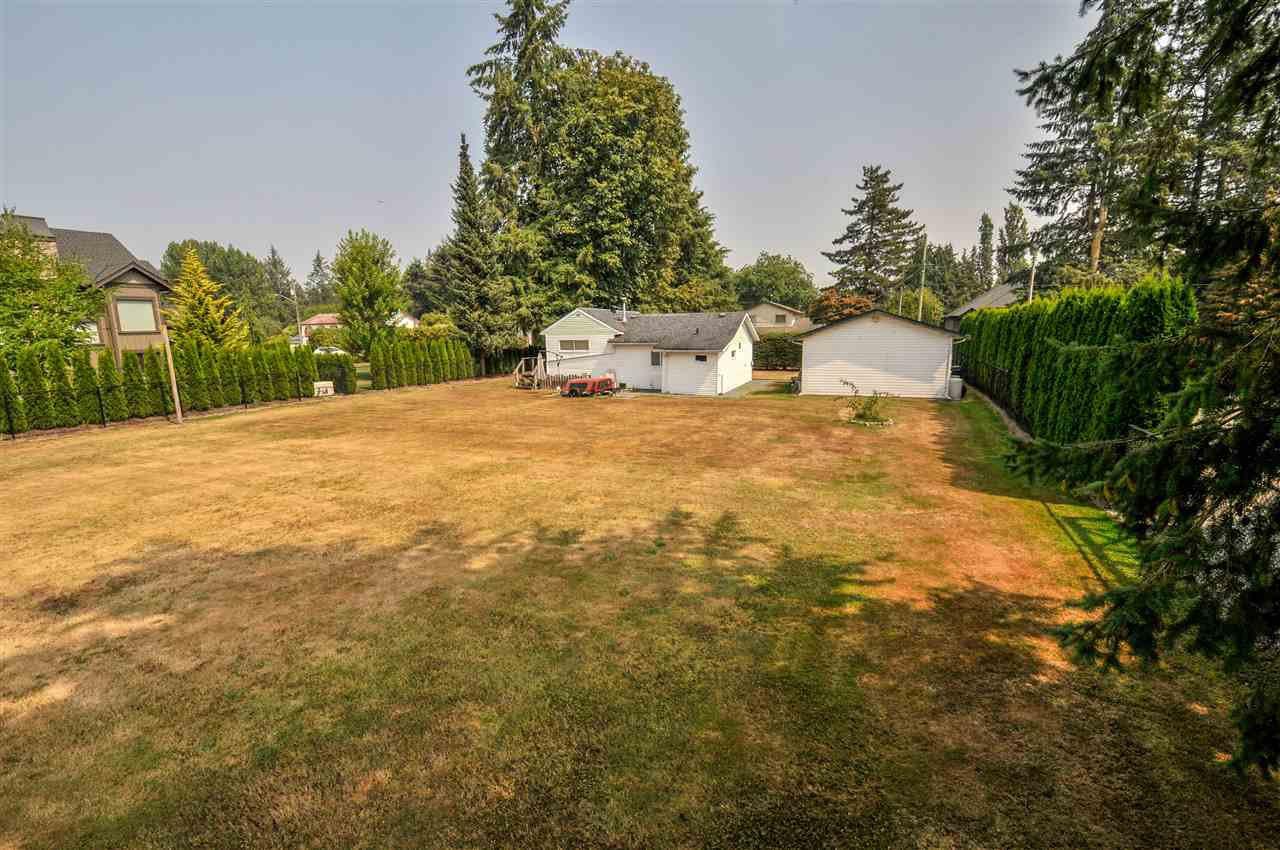 Main Photo: 4689 238 Street in Langley: Salmon River House for sale : MLS®# R2327028