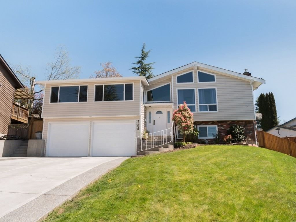 Main Photo: 31458 SPRINGHILL Place in Abbotsford: Abbotsford West House for sale : MLS®# R2330713