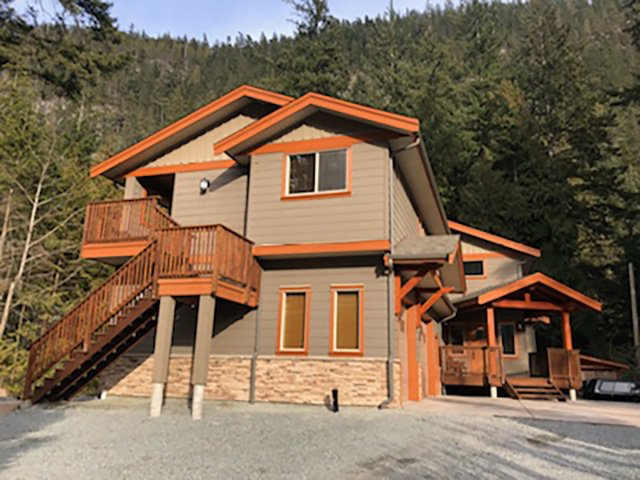 Main Photo: 1782 DEPOT Road in Squamish: Tantalus House for sale : MLS®# R2344683