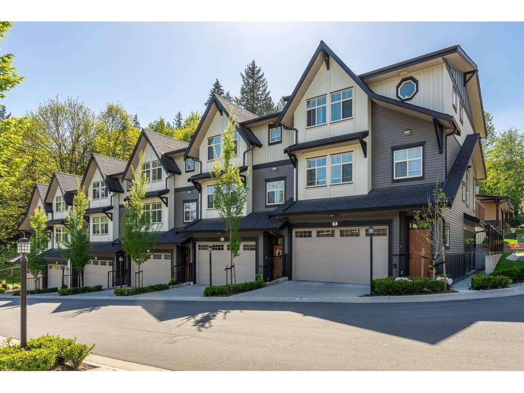 "Main Photo: 4 10525 240 Street in Maple Ridge: Albion Townhouse for sale in ""Magnolia Grove"" : MLS®# R2365683"
