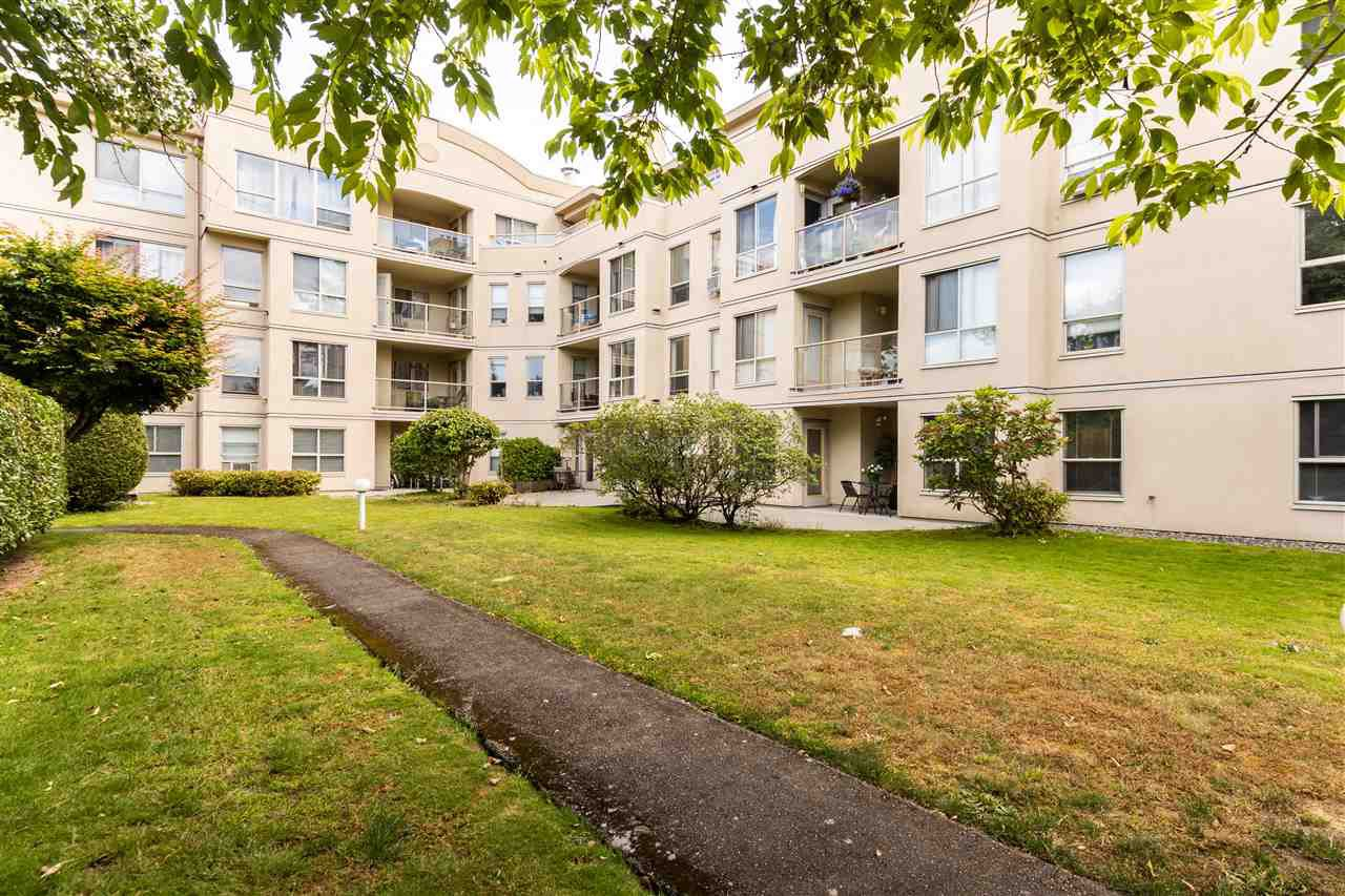 """Photo 17: Photos: 105 33731 MARSHALL Road in Abbotsford: Central Abbotsford Condo for sale in """"Stephanie Place"""" : MLS®# R2381091"""