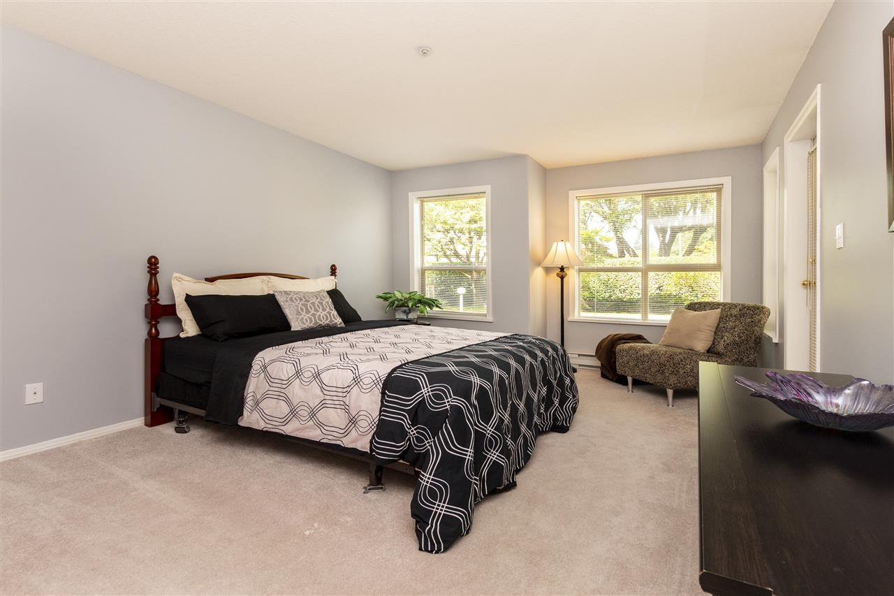 """Photo 8: Photos: 105 33731 MARSHALL Road in Abbotsford: Central Abbotsford Condo for sale in """"Stephanie Place"""" : MLS®# R2381091"""