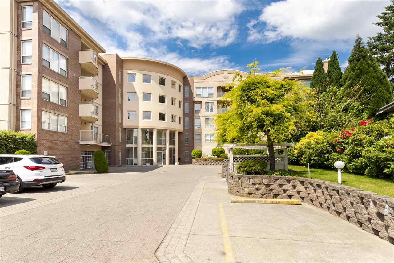 """Photo 1: Photos: 105 33731 MARSHALL Road in Abbotsford: Central Abbotsford Condo for sale in """"Stephanie Place"""" : MLS®# R2381091"""
