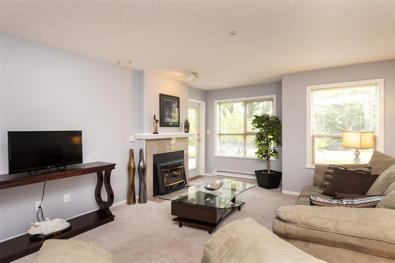 """Photo 5: Photos: 105 33731 MARSHALL Road in Abbotsford: Central Abbotsford Condo for sale in """"Stephanie Place"""" : MLS®# R2381091"""