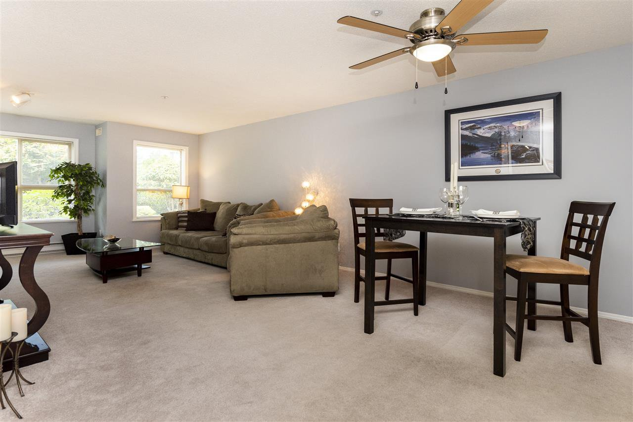 """Photo 4: Photos: 105 33731 MARSHALL Road in Abbotsford: Central Abbotsford Condo for sale in """"Stephanie Place"""" : MLS®# R2381091"""