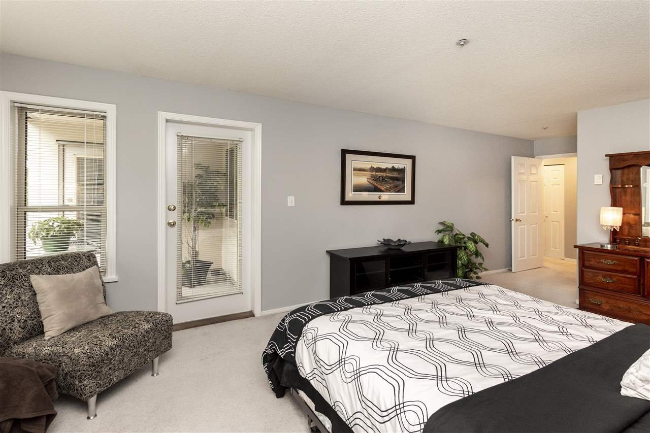 """Photo 9: Photos: 105 33731 MARSHALL Road in Abbotsford: Central Abbotsford Condo for sale in """"Stephanie Place"""" : MLS®# R2381091"""