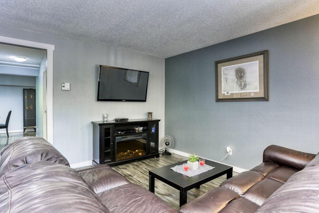 "Photo 8: Photos: 7 20943 CAMWOOD Avenue in Maple Ridge: Southwest Maple Ridge Townhouse for sale in ""Camwood Gardens"" : MLS®# R2395941"
