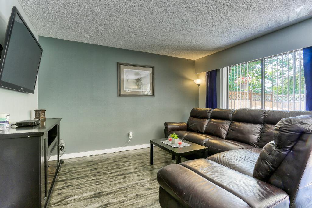 "Photo 4: Photos: 7 20943 CAMWOOD Avenue in Maple Ridge: Southwest Maple Ridge Townhouse for sale in ""Camwood Gardens"" : MLS®# R2395941"