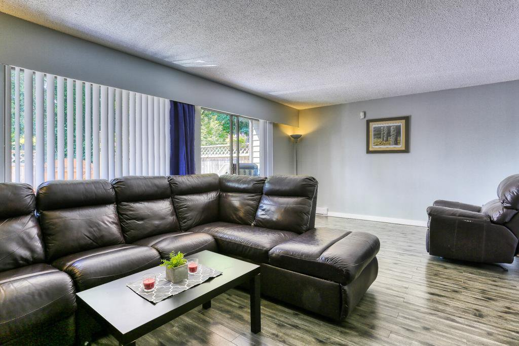 "Photo 5: Photos: 7 20943 CAMWOOD Avenue in Maple Ridge: Southwest Maple Ridge Townhouse for sale in ""Camwood Gardens"" : MLS®# R2395941"