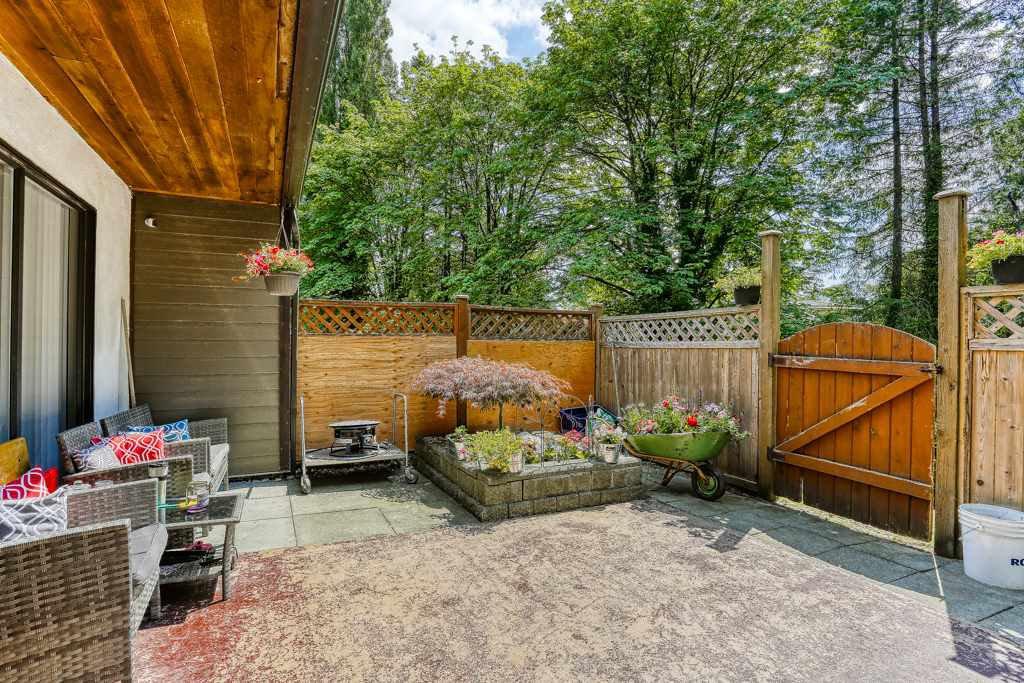 "Photo 17: Photos: 7 20943 CAMWOOD Avenue in Maple Ridge: Southwest Maple Ridge Townhouse for sale in ""Camwood Gardens"" : MLS®# R2395941"