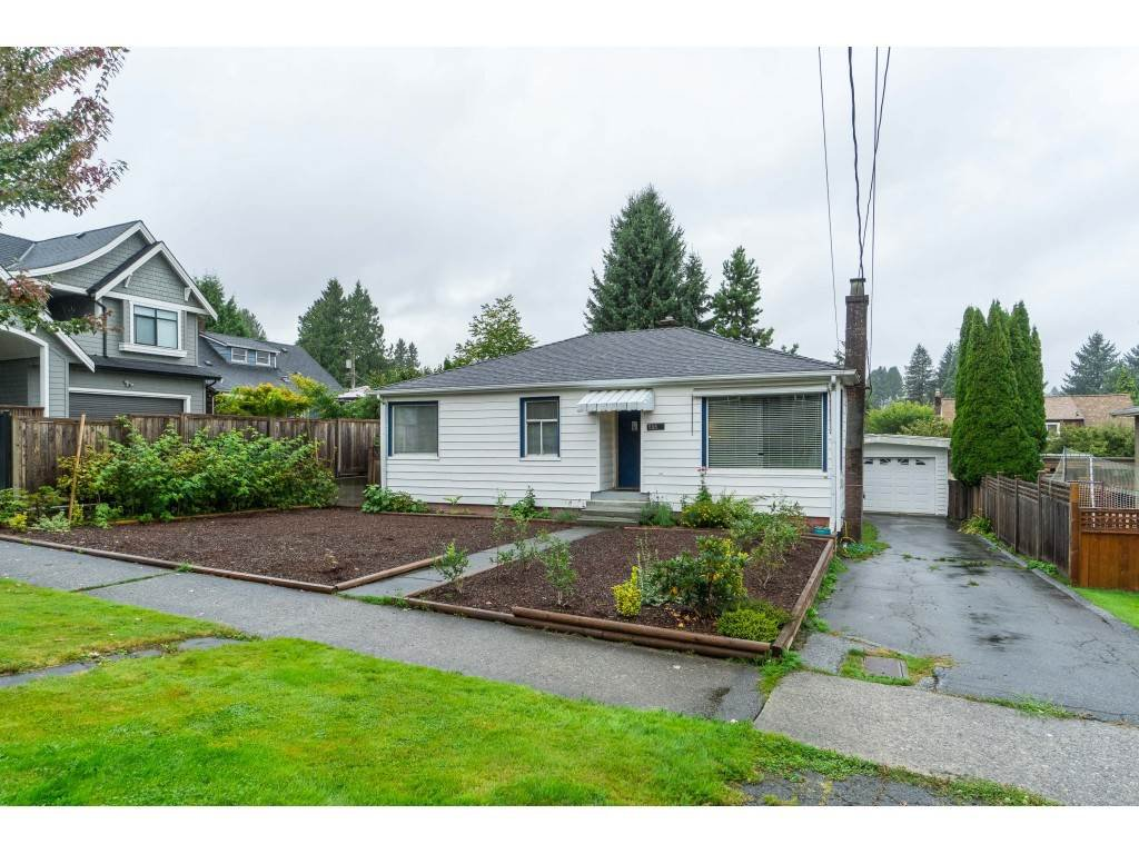 Main Photo: 255 SANDRINGHAM Avenue in New Westminster: GlenBrooke North House for sale : MLS®# R2404936