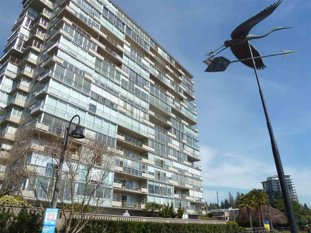Photo 1: Photos: 905 150 24TH Street in West Vancouver: Dundarave Condo for sale : MLS®# R2427493