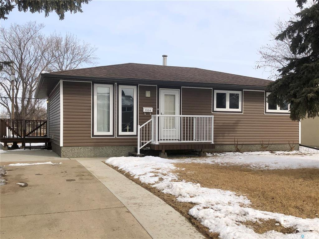 Main Photo: 1534 Vaughan Street in Moose Jaw: Westmount/Elsom Residential for sale : MLS®# SK803180