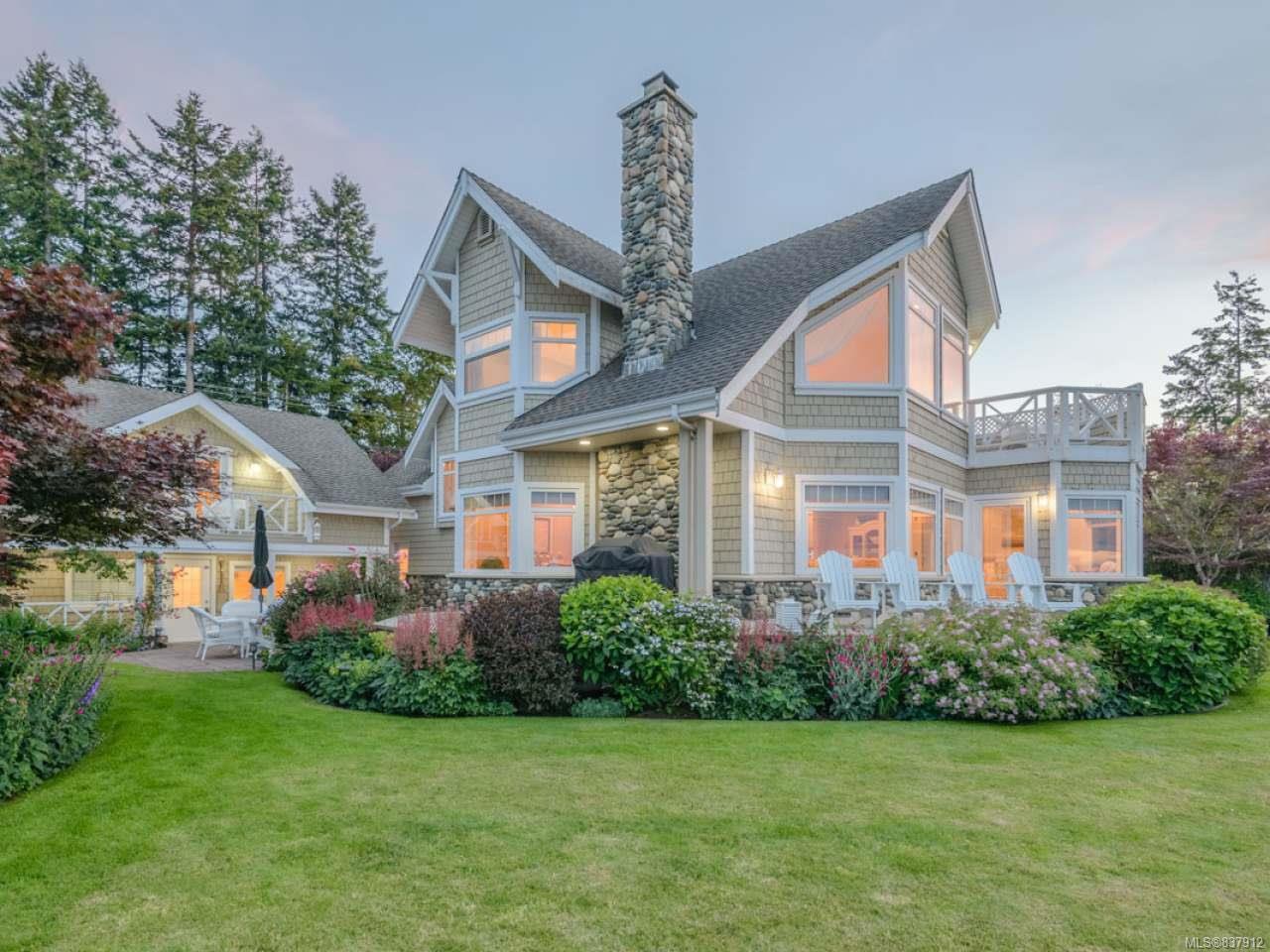 Main Photo: 5525 W Island Hwy in QUALICUM BEACH: PQ Qualicum North House for sale (Parksville/Qualicum)  : MLS®# 837912