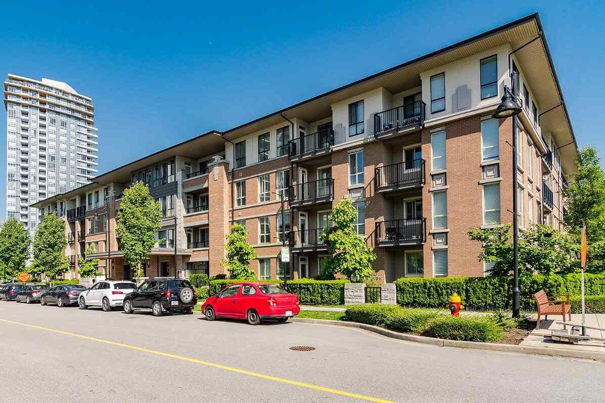"""Main Photo: 111 3107 WINDSOR Gate in Coquitlam: New Horizons Condo for sale in """"Bradley House at Windsor Gate"""" : MLS®# R2461759"""
