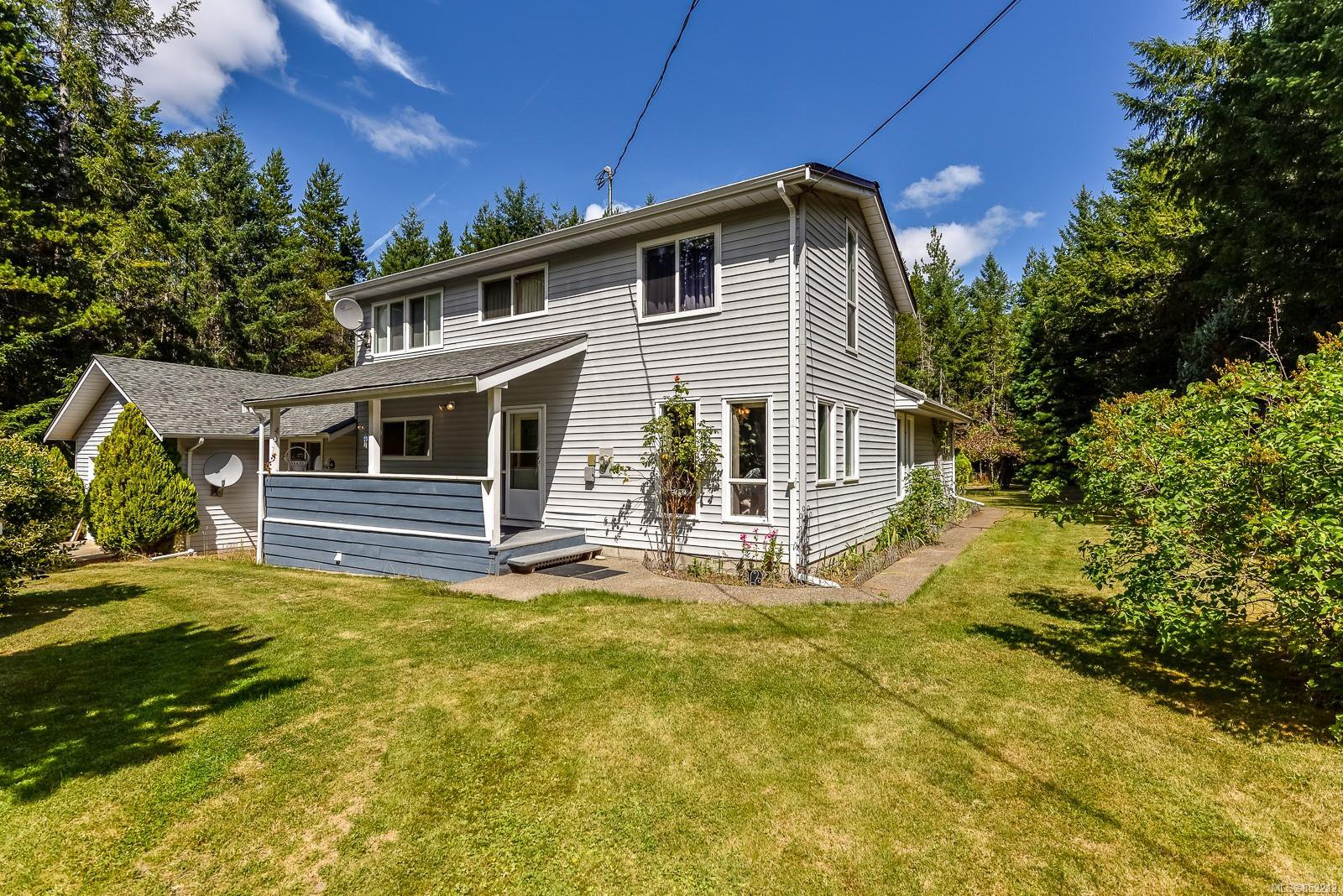 Main Photo: 4735 Anderson Ave in : PQ Bowser/Deep Bay House for sale (Parksville/Qualicum)  : MLS®# 852212