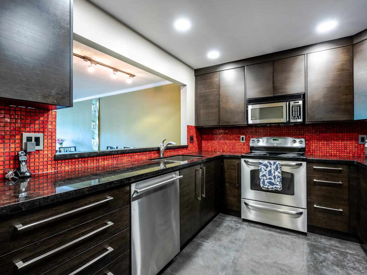 """Photo 15: Photos: 303 2288 W 12TH Avenue in Vancouver: Kitsilano Condo for sale in """"Connaught Point"""" (Vancouver West)  : MLS®# R2494985"""