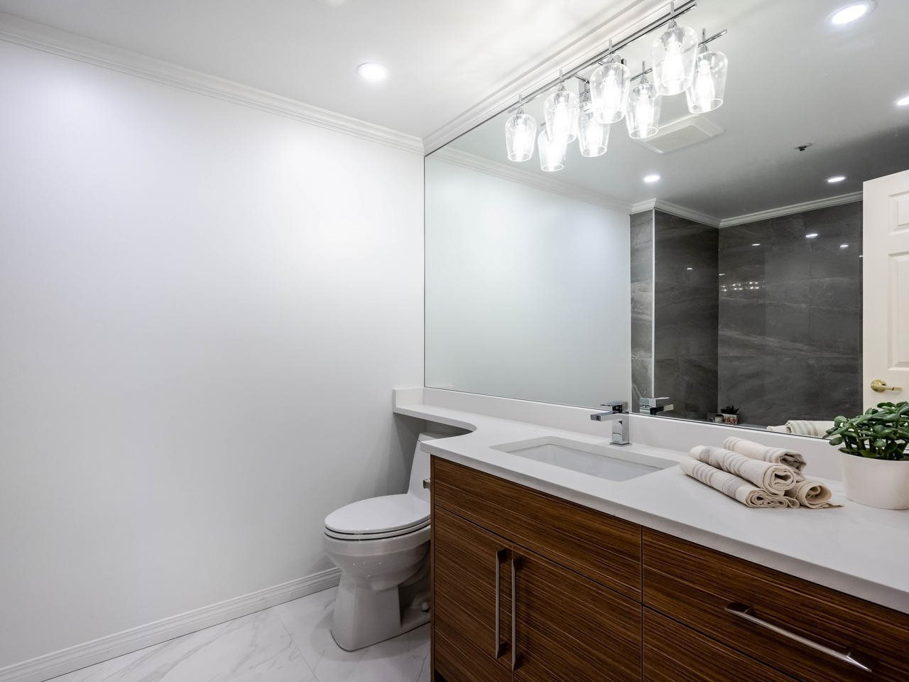 """Photo 26: Photos: 303 2288 W 12TH Avenue in Vancouver: Kitsilano Condo for sale in """"Connaught Point"""" (Vancouver West)  : MLS®# R2494985"""