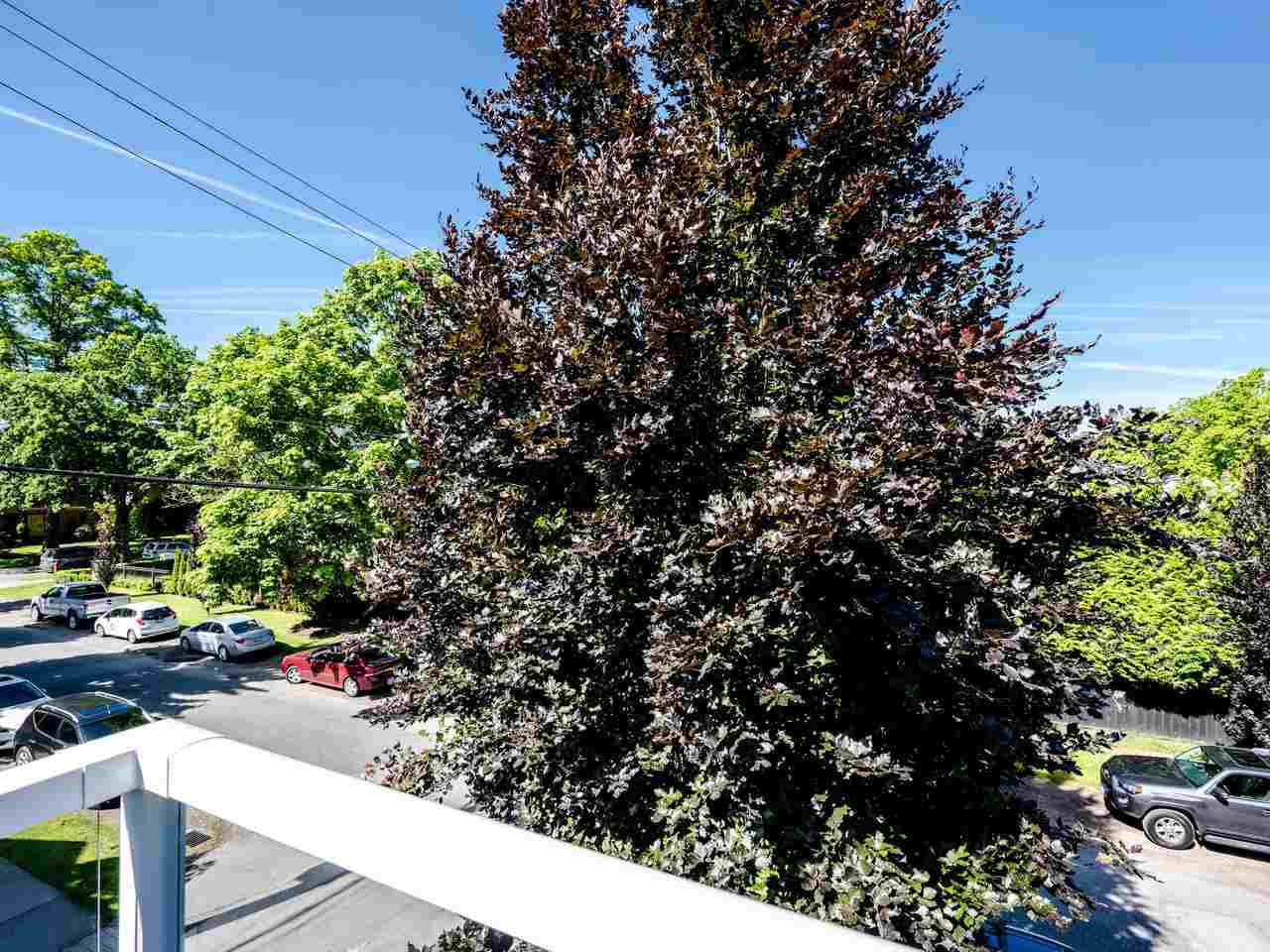 """Photo 6: Photos: 303 2288 W 12TH Avenue in Vancouver: Kitsilano Condo for sale in """"Connaught Point"""" (Vancouver West)  : MLS®# R2494985"""
