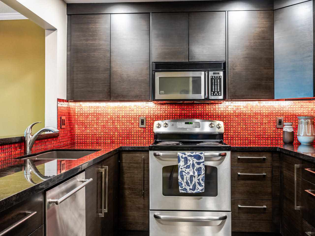 """Photo 17: Photos: 303 2288 W 12TH Avenue in Vancouver: Kitsilano Condo for sale in """"Connaught Point"""" (Vancouver West)  : MLS®# R2494985"""