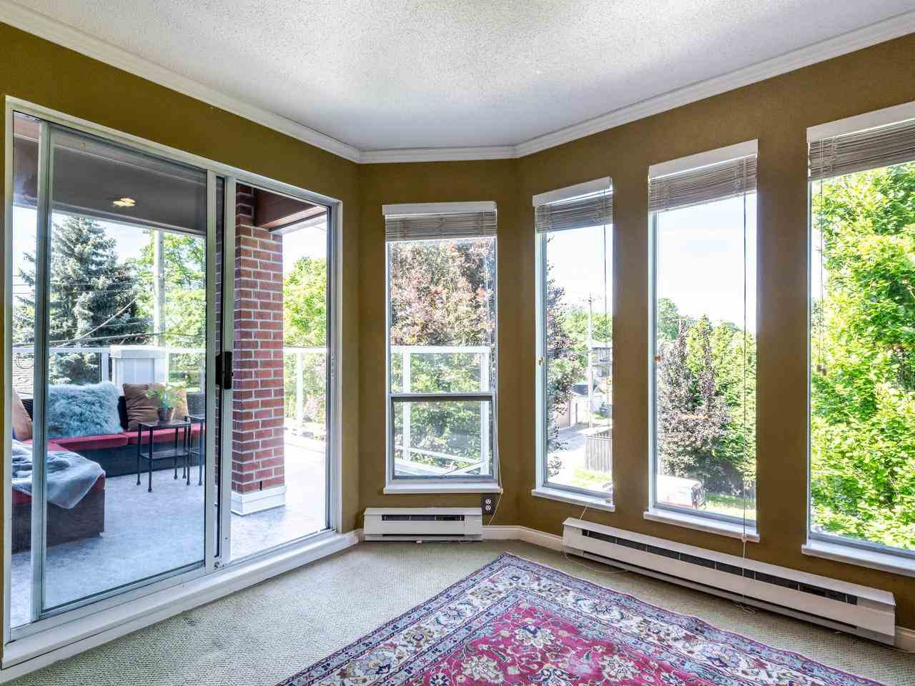 """Photo 7: Photos: 303 2288 W 12TH Avenue in Vancouver: Kitsilano Condo for sale in """"Connaught Point"""" (Vancouver West)  : MLS®# R2494985"""